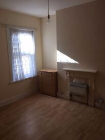 Large First Floor 1 Bed Flat For Rent Close to Leyton Station - PRIVATE!!!!!
