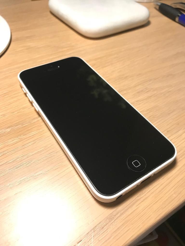 iPhone 5C White 8GB With Charger Fantastic Condition