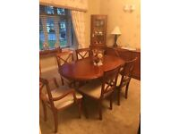 Excellent condition Wood extendable Dining Table with 6 matching Chairs and sideboard