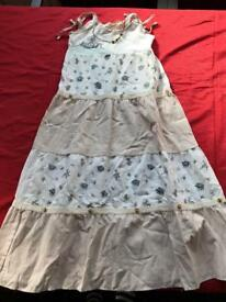 Girls dress. 7/8 years.