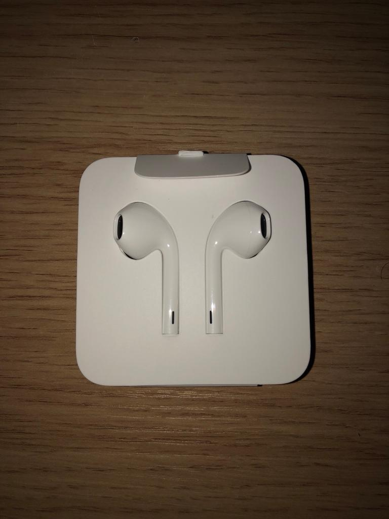 Genuine Apple iPhone 8 earphones/earpods/headphones