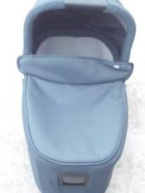 MAMAS & PAPAS TEAL CARRYCOT