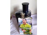 Philips juicer with the Juice Master Jason Vale recipe book