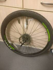 "29"" kenda wheel/tire"