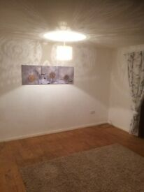 2 Double Bedroom Mid Terrace House With Garden To Let