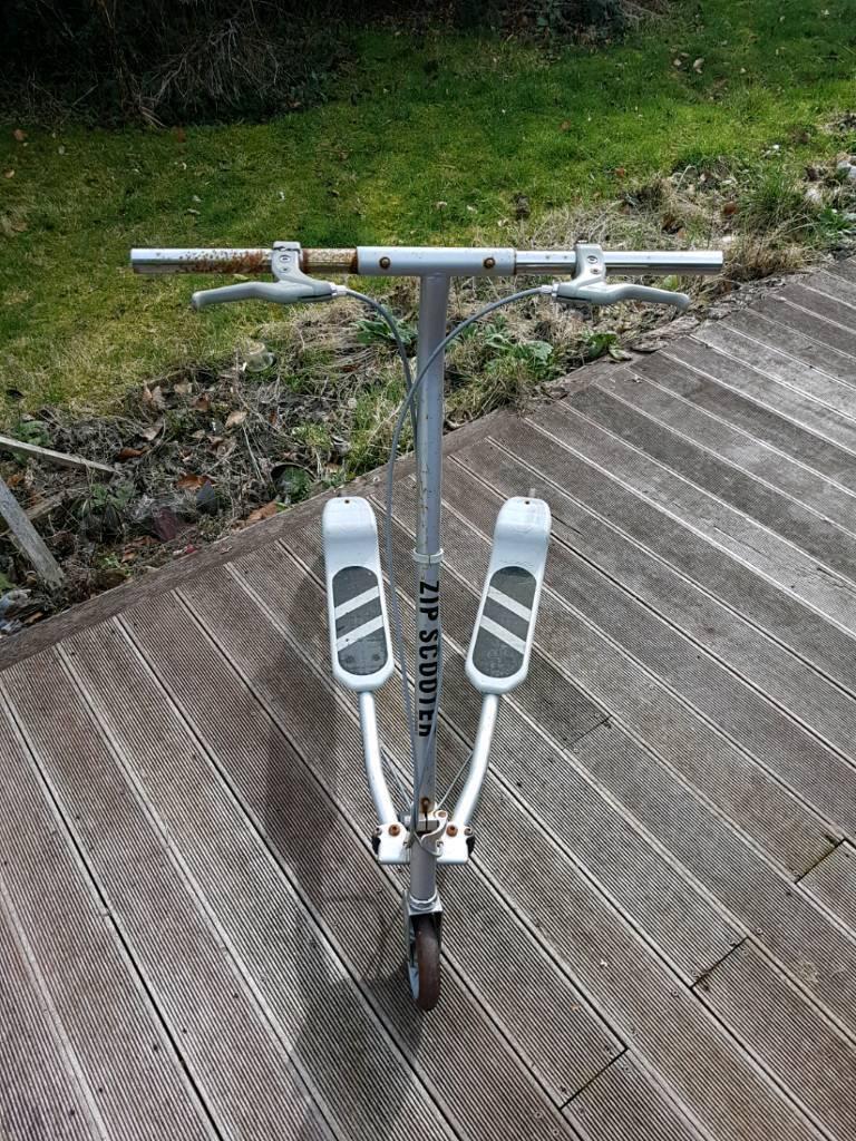 Gray zip scooter