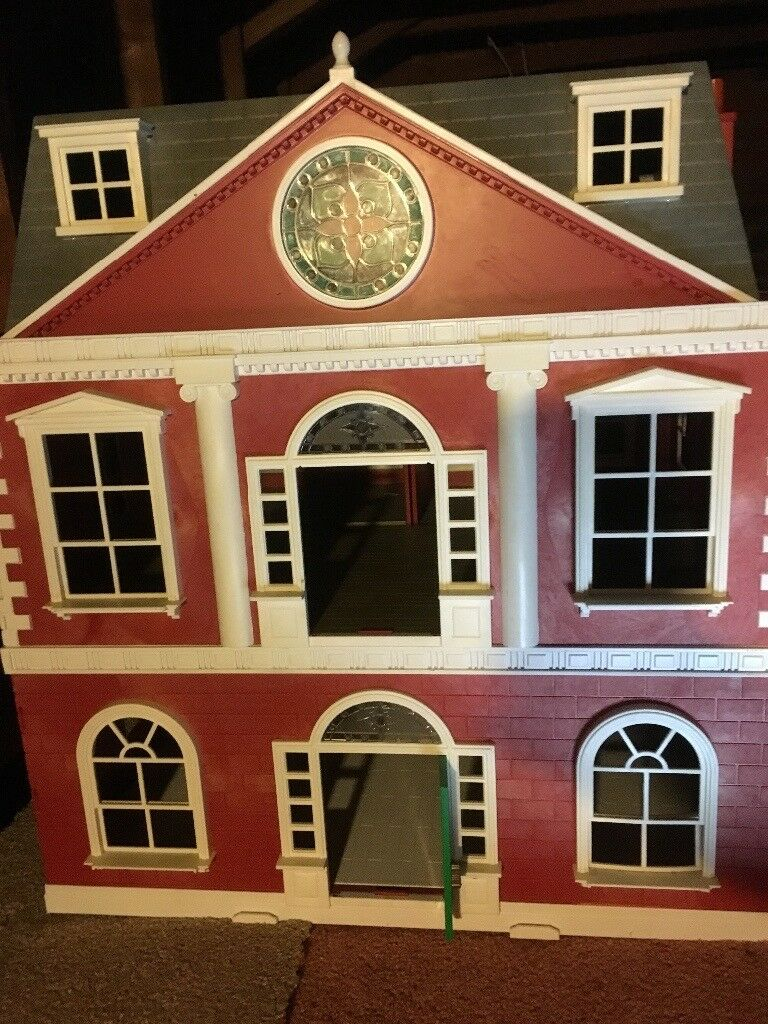 Sylvanian hotel, country manor, cars and families