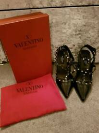 Valentino Rockstud size 5