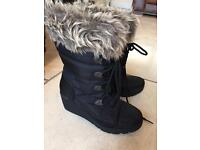 Winter wedge boots size 4
