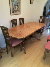 6 seat dining table - excellent condition.