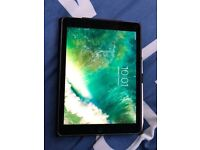 iPad Pro 9.7 inch 128 gb WiFi and cellular version it also comes with Apple Pencil and iPad case