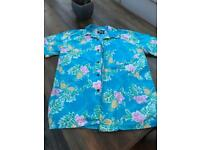 Original retro Hawaiian shirt (medium)