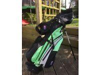 US Kids Golf Bag & 4 Clubs