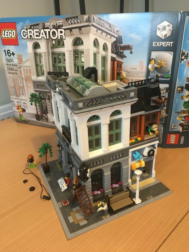 Lego 10251 Brick Bank Modular Building Complete With Box and Instructions  Rare / Retired | in Kirkliston, Edinburgh | Gumtree