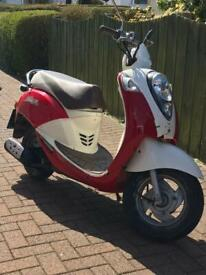 Sym Mio 50cc Moped/Scooter