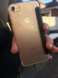 I phone 7 rose gold 32gb hardly used great condition