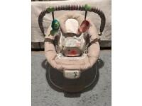 Comfort &Harmony Musical and vibrating baby bouncer chair