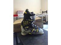 *Brand new ski boots* Massive Savings!! •Free shipping•