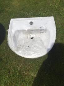 White sink, 450 mm wide