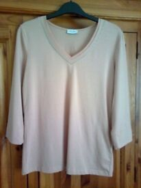 LADIES GERRY WEBER 3/4 SLEEVE BLUSH TOP WITH GLITTER TRIM V-NECK, UK SIZE 8, RRP £45, BNWT