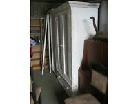 QUALITY SOLID PINE DOUBLE WARDROBE. WHITE SHABBY CHIC.LATTICE DOOR FRONTS. VERY ATTRACTIVE.DELIVERY
