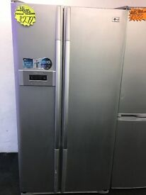 LG FROST FREE AMERICAN STYLE FRIDGE FREEZER IN SILIVER