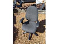 6x Graphite Dams Vantage 100 Office Chairs