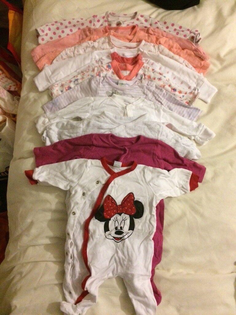 Huge bundle of girls clothes! (0-3 months)