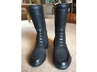 Triumph Motorbike boots - Size 38 (5) As new - only worn once.