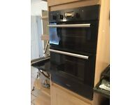Nearly new. Integrated double oven hot point DD2 540 BLACK