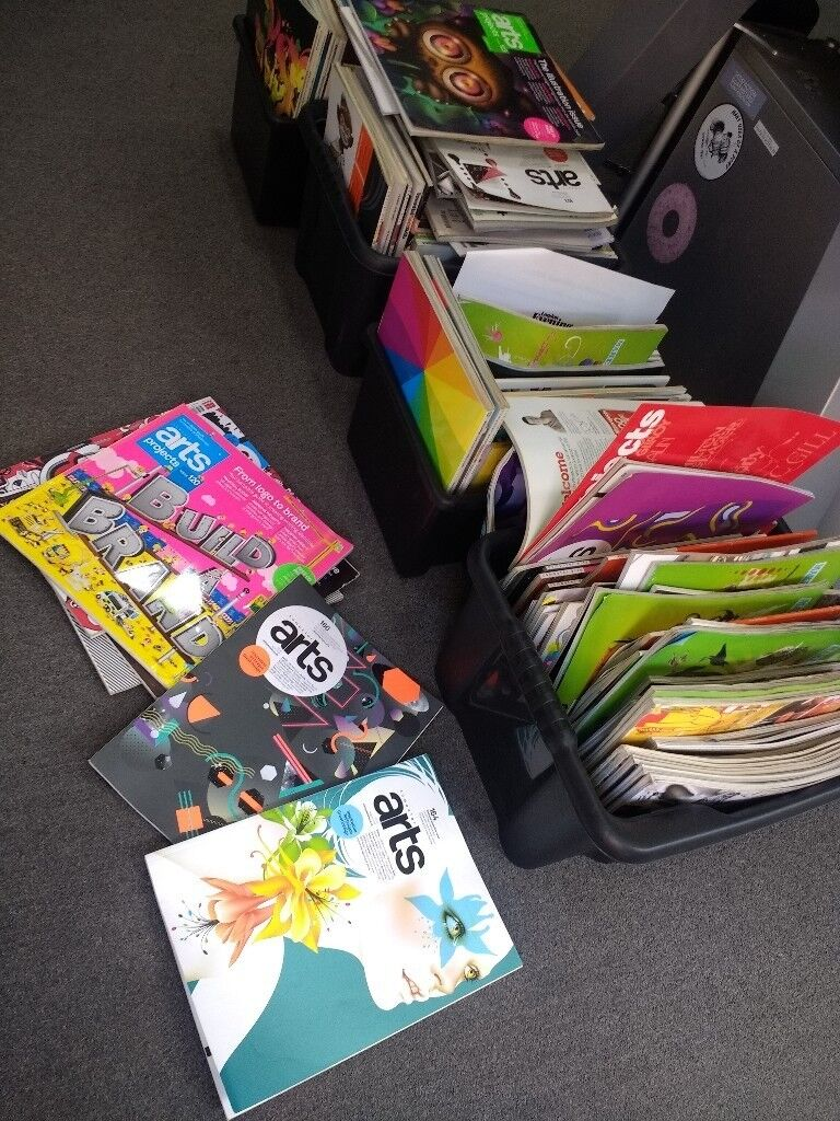 4 boxes of Arts and media magazines / books