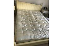 Shabby chic style king size bed