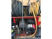 Drainage jetting unit , very good machine comes with 200m hose 100m is brand new , with nozzles