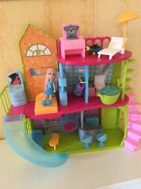 Polly Pocket Dolls House including furniture and dolls