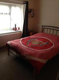 Double bedroom to rent 450 pm all bills inc single guys only