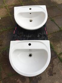 2 quality ceramic wash basins