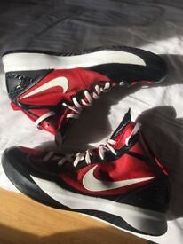 Mens Nike Hyperdunk Basketball Trainers Size UK 12.5. £40.00 RRP £120.