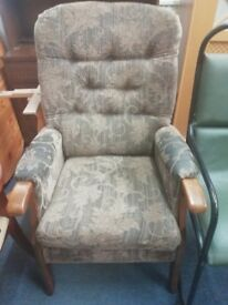 Comfy Arm chair vintage / retro Leaf pattern