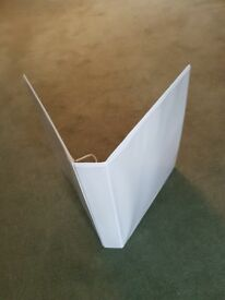 8 folders. 4 ring presentation folders 25mm White.