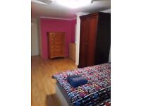 LEYTON :TWIN ROOM FOR 2 FRIENDS LOCATED AT GRANGE PARK RD