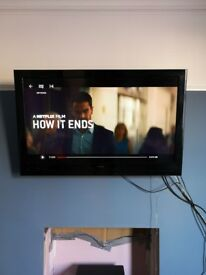 Hitachi 46 inch full HD TV excellent condition