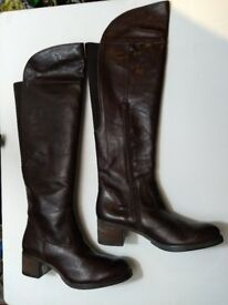 ladies boots, lisa kay, chicago. knee highs, leather, size 40. brown