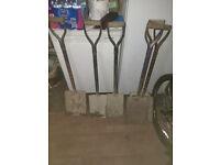 4 shovels,2 spades