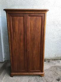 Willis & Gambier wardrobe * free furniture delivery*