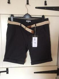 """Men's 32"""" bellfield shorts, BNWT, belt included"""