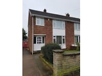 Modern three bedroom semi-detached house with nice garden for rent in Mansfield - available now