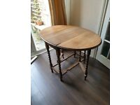 Folding table wooden