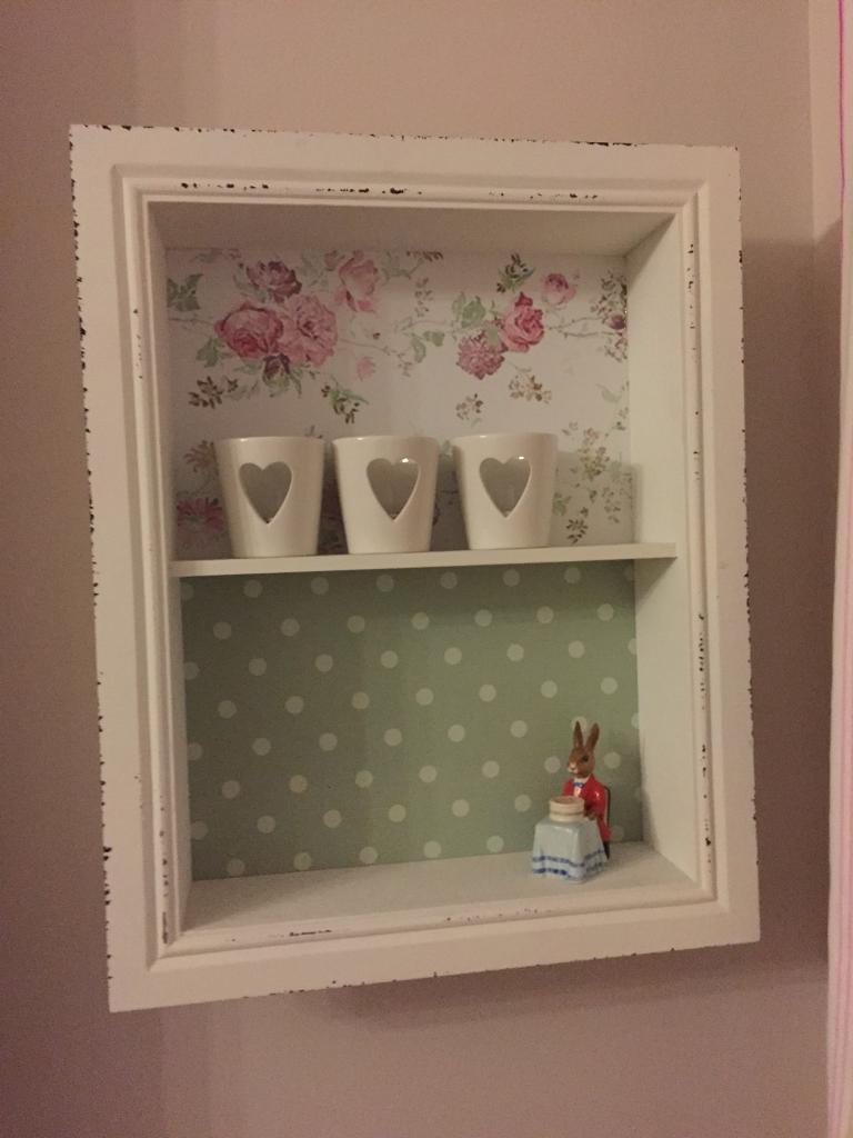 Pretty Wall Shelf