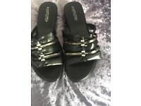 Womens sandal size 9