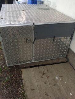 Aluminium Dog Box
